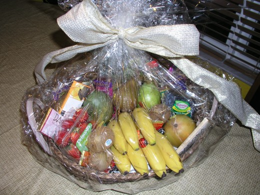 Another fruit variety basket that can be used as a corporate gift basket, although this packaging leaves a bit to be desired aesthetically.