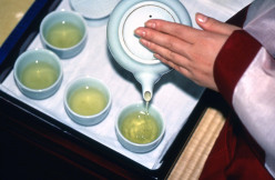 Treating Sore Throat and Tonsils with Green Tea