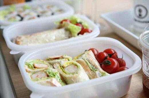 Snacks that can be easily stored are the best!