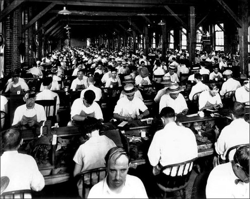 A Cuban cigar factory. This is one of the products Americans would likely purchases of the trade embargo were lifted.
