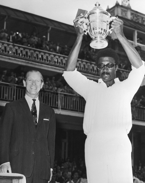 Clive Lloyd lifts the first world cup-Australia vs WI final Lords WC 1975