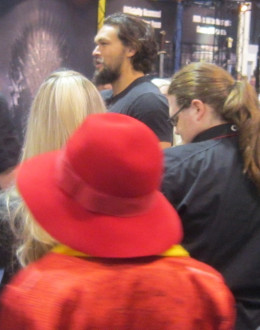 Why is this picture a bit on the blurry side? Because that's Jason Momoa (Game of Thrones), out on the dealer floor and interacting with fans during his break time - he was, of course, immediately surrounded!