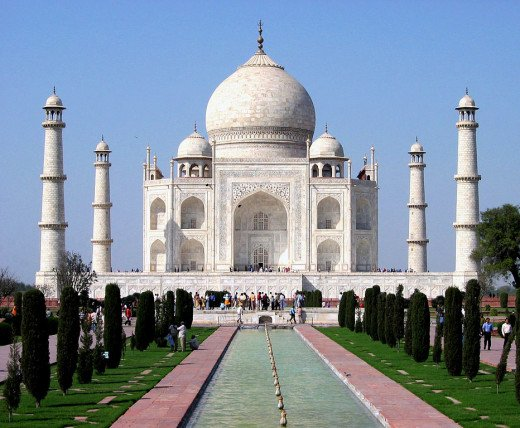 Taj Mahal By Dhirad and picture edited by J. A. Knudsen [CC-BY-SA-3.0 (http://creativecommons.org/licenses/by-sa/3.0)], via Wikimedia Commons