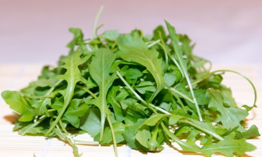 Bitter lettuces, like rocket salad, are well-known for their detoxifying properties, and can be added to any diet.