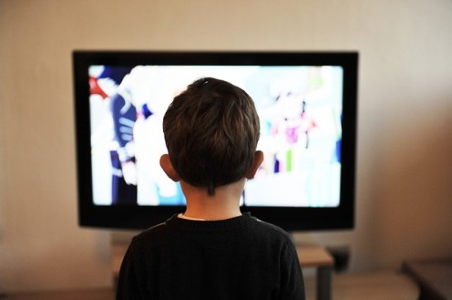 Kids are absorbed into TV, their lives are full of cartoon imaginations