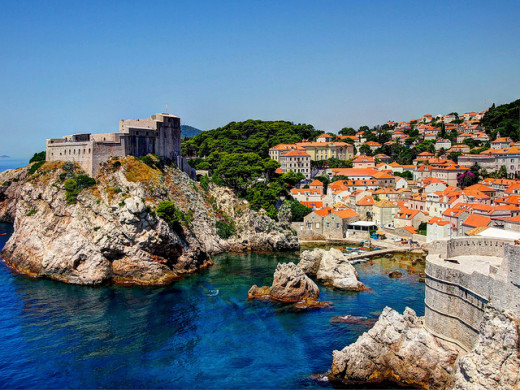 Shots of King's Landing from season two onwards was actually taken from Dubrovnik in Croatia.