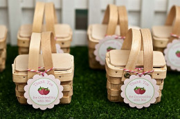 Strawberry labels