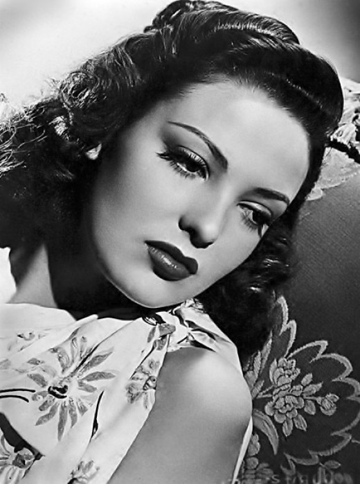 """Linda Darnell starred in the film """"Forever Amber"""" released in 1947 by 20th Century Fox"""