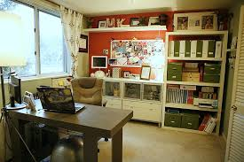 This is a very organized home office.