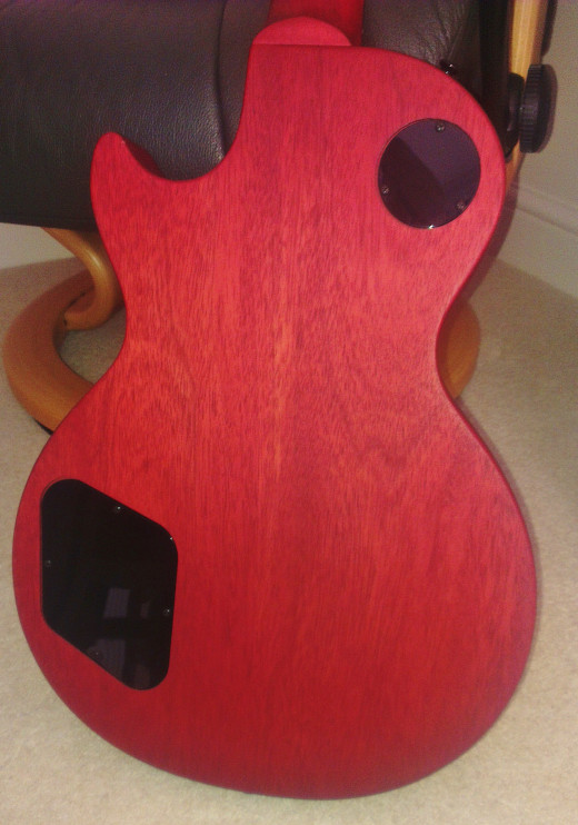 Mahogany back of a Gibson Les Paul LPJ