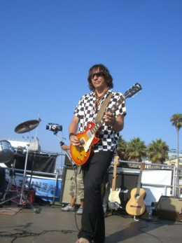 Michael Jost performs at Venice Beach