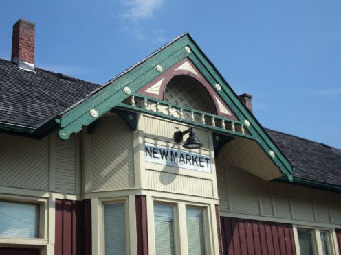 Sign announcing the town of Newmarket, former Grand Trunk Railway Station
