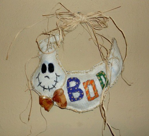burlap ghost door hanger