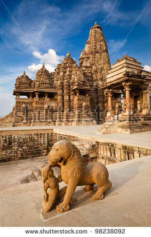 Fight between A KING AND A LION  in KHAJURAHO
