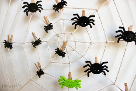 when the kids are anxiously waiting for halloween to come and youre tired of explaining how many days are left til the big day consider making this - Halloween Spider Craft Ideas