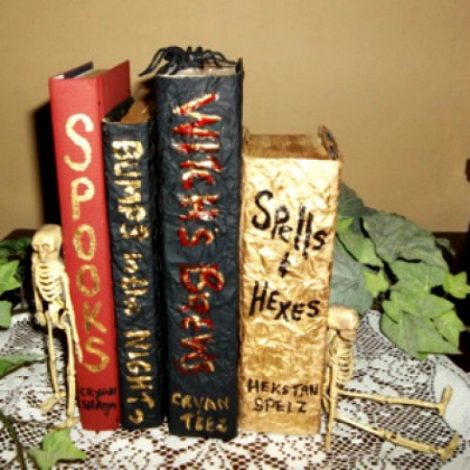 make a halloween book centerpiece,