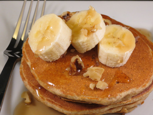 whole wheat pancakes with walnuts and bananas