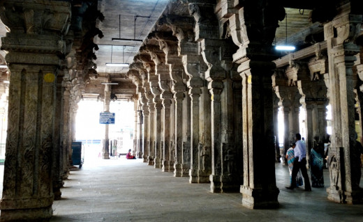 Inside Jambukeswar Temple ; represents App (Water)