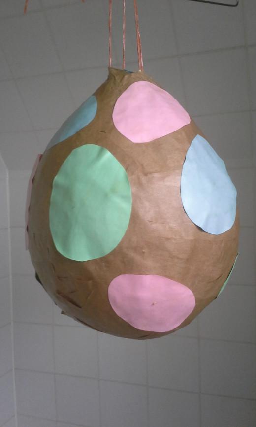 A finished balloon pinata