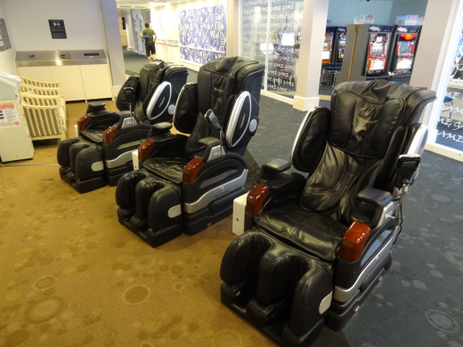So you want to buy a massage chair?  As they are quite pricey, there are things you need to carefully consider.
