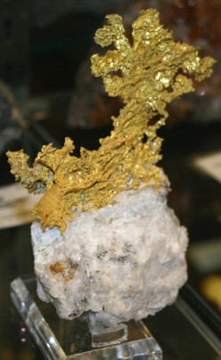 Gold - Mining, Chemistry, & Applications of Gold