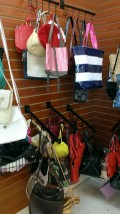 How to sell handbags,purses,clutches in a thrift store