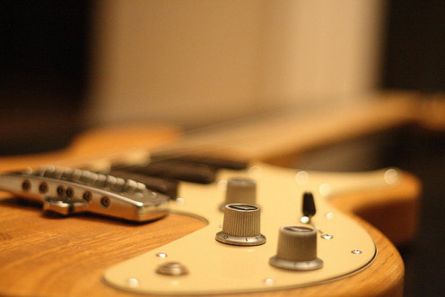 You can get interesting sounds by manipulating your guitar knobs.