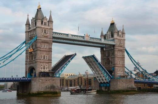 London Bridge opening