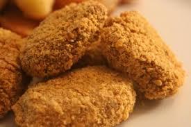 Crispy chicken nuggets .