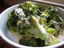 broccoli with sauce