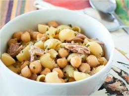 Tuna, chickpea and pasta salad