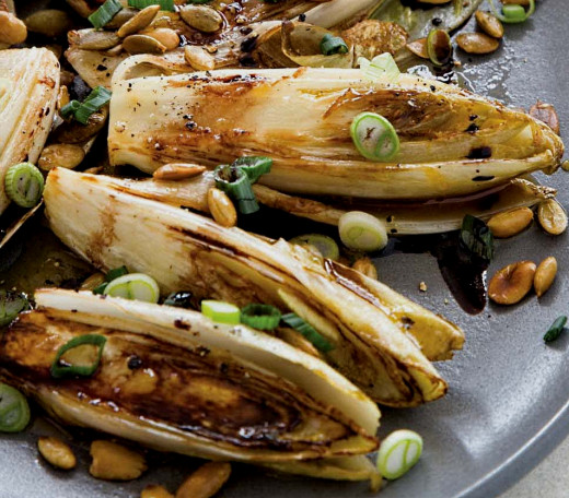 Braised and fried Belgian endive is easy to prepare and has a delicious taste and texture that the whole family will enjoy. Ideal as a healthy party food.