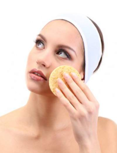 Make sure your skin is very clean before using the steamer.