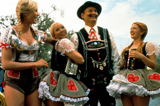 David Doyle (John Bosley) and Cameron Diaz in the Ledgerhosen with the other Charlie's Angels in the Dirndl