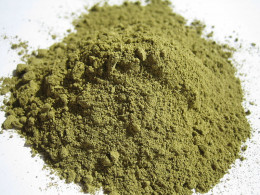 Heena powder for oily hair