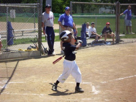 http://www.weplay.com/youth-baseball/pics-photos