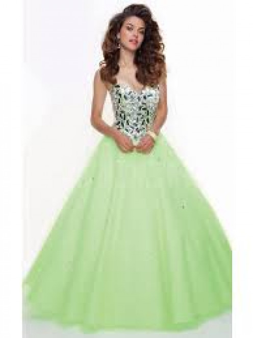 I love this gown.