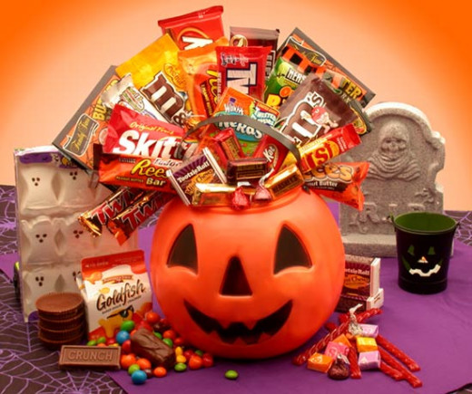Find fun Pumpkin Themed Halloween Baskets for Kids!