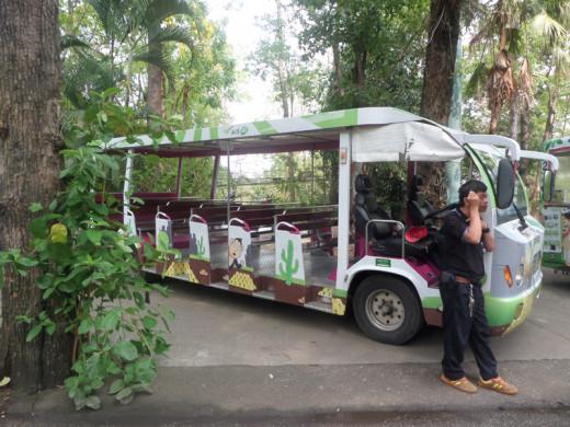 Zoo shuttle bus