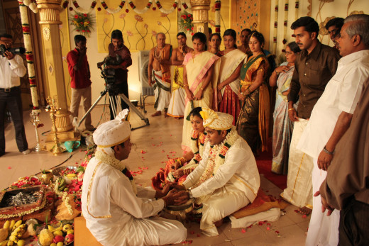Hindu Marriage India By ricardo.martins [CC-BY-2.0 (http://creativecommons.org/licenses/by-sa/3.0/)], via Wikimedia Commons