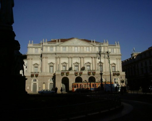 By Francisco Anzola (La Scala) [CC BY 2.0 (http://creativecommons.org/licenses/by/2.0)], via Wikimedia Commons