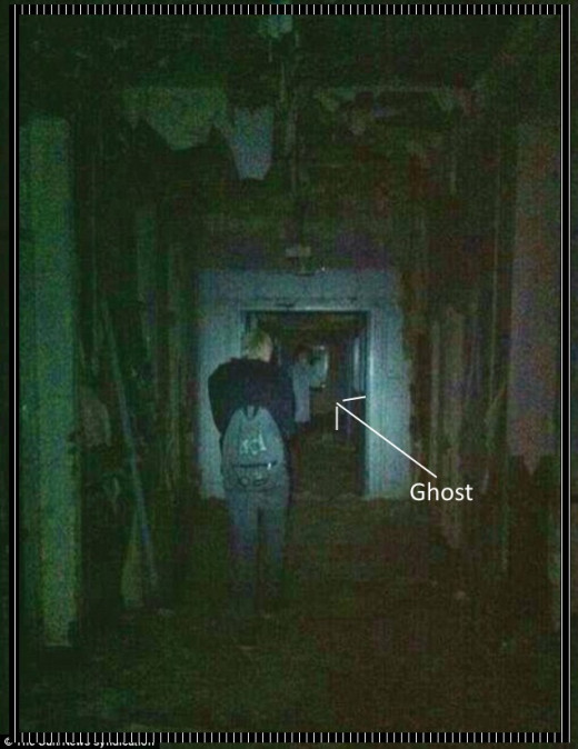 Out to explore with friends, Jamie-Leigh and her friends kept hearing footsteps even though there was nobody else in the building. She took the photo but didn't see anything. He friends and her left the building before the footsteps were creepy....