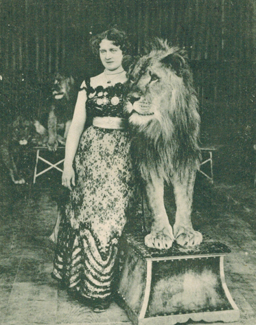 Claire Heliot, famous tamer of real lions.