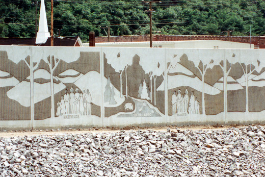 A river flood wall in West Virginia commemorates the former vendetta of the two families from the area.