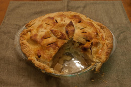 Experts contend the best tasting apple pies are those that combine both tart and sweet apples.