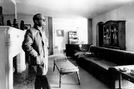 Truman Capote in the living room of the Clutter home, 1967.