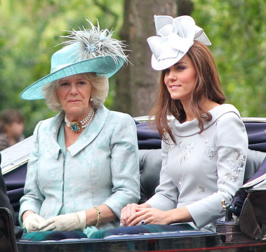 Here Kate wears a eye catching hat.