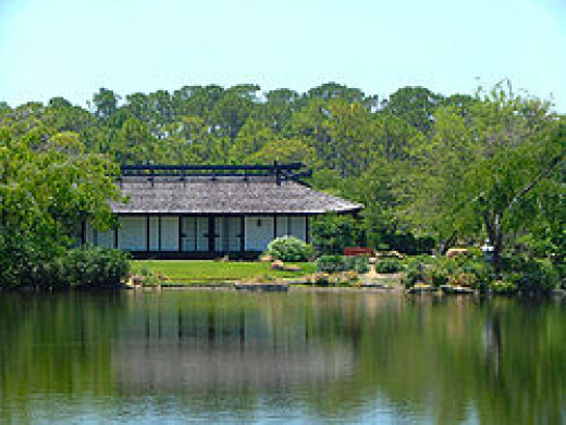 Morikami Lake house