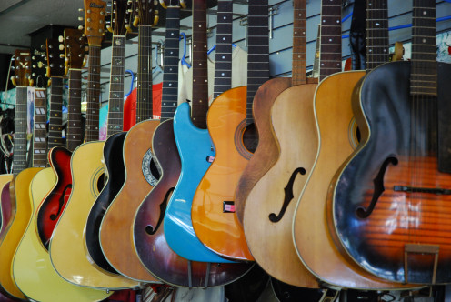 Music store : That's an eyecandy for guitar enthusiast