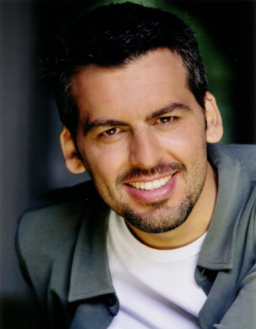 Oded Fehr play Ali's commanding officer in the army, he is the one that told Mary Ali is dead and led her to the mass grave he is buried in.